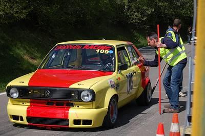 Bild Automobil-Slalom