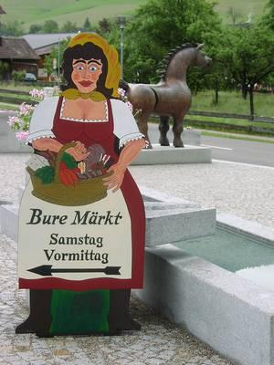 Bure-Märkt auf dem Rathausplatz