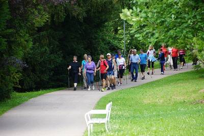 Nordic Walking - auf Wunsch mit Anleitung