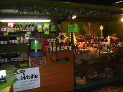 Weihnachtsmarkt auf dem Hof der Lohnmosterei Wlfle