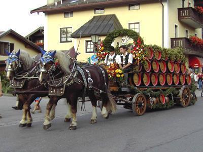 Bieranstich Aschauer Markt