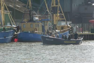 Hafenrundfahrt mit der Möwe Willi. (© Tourismus und Stadtmarketing Husum )