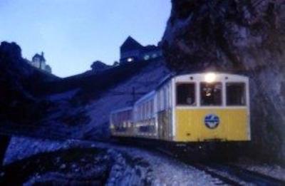 Mondscheinfahrt mit der Nostalgie-Zahnradbahn