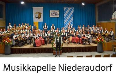 Standkonzert der Musikkapelle Niederaudorf