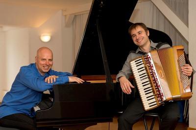 Konzert aus der Reihe Von Uns mit Rainer Gruber, Akkordeon und Jan Eschke, Piano