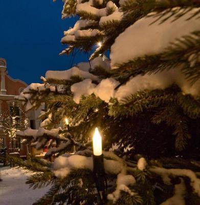Weihnachtsbruch und Lichterglanz