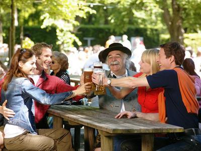 Dorffest. (© Bayer. Brauerbund)