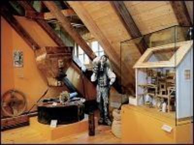 Mllner-Peter-Museum mit Sonderausstellung Max Hickl