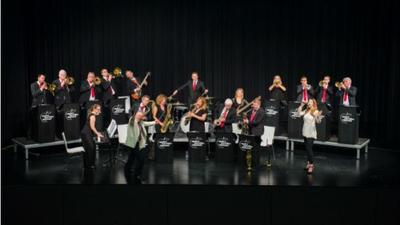 Concert by the Apples Paradise Big Band