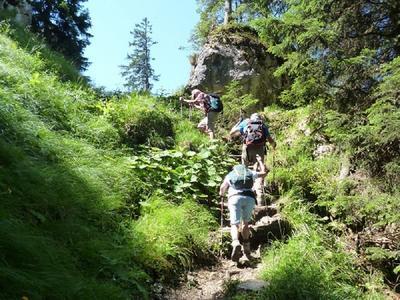 """""""Gipfeltreffen"""" mit Daniel – Spiritueller Bergtag auf den Kofel und Kolbensattel zu einem """"Lebenden Bild"""" aus dem Oberammergauer Passionsspiel"""