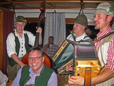 Bayerischer Herbst Berge & Brauchtum & Musik