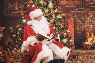 Der Weihnachtsmann besucht das Weihnachtshaus. (© Weihnachtshaus)