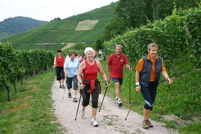 Nordic-Walking im Rodeck-Stadion Sei fit - walk mit