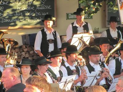 Standkonzert der Musikkapelle Flintsbach nach der Prozession