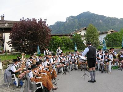 Standkonzert der Jugendkapelle und Musikkapelle Flintsbach