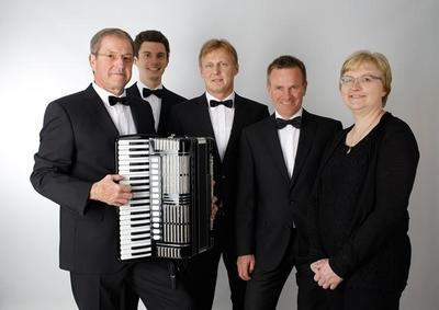 Musikalische Weltreise mit den Amici Fisarmonica