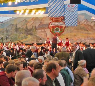 Kieferer Bierzelt - bayerischer Frhling . Kesselfleisch-Essen