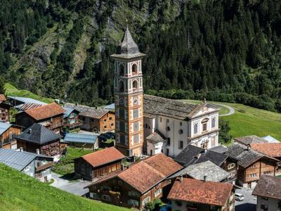mira!cultura OrtsführungArchitectura ed identitad in der Val Lumnezia