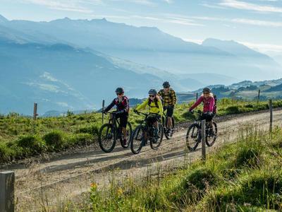 Geführte E-Bike Touren in Obersaxen Mundaun