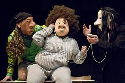 Klasse Klasse - Masken-Beatbox-Theater. (© Joerg Metzner)