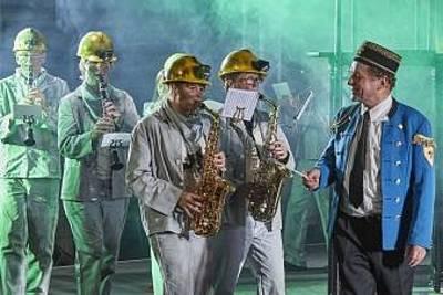Brassed Off ?? Mit Pauken und Trompeten - Tragikomdie. (© Richard Becker)