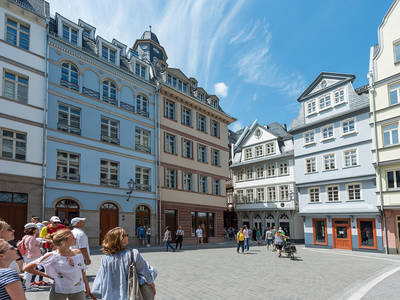 Guided Tour in Frankfurts reconsctructed old town#visitfrankfurt, Holger Ullmann. (© Guided tours in Frankfurts new old town)