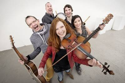 Cara  A New Breeze in Irish Music