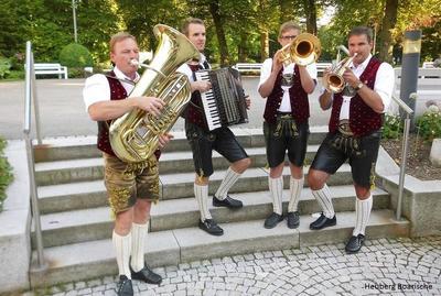 Alpenlndische Volksmusik mit den Heuberg Boarische