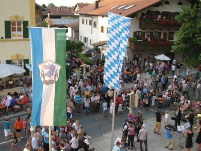 Lange Nacht in Grassau - die Grassauer Geschftsleute laden ein zur Langen Einkaufsnacht mit Verkauf bis 22 Uhr!