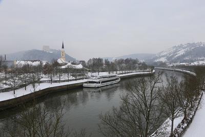 Winterliche Schifffahrt durchs Altmühltal