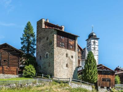 mira!cultura Ortsführung Chisti e cristagl in der Val Lumnezia