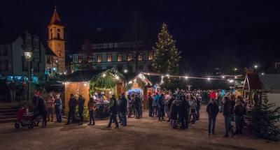Weihnachtsmarkt Ottenhfen. (© Tourist-Info Ottenhfen)