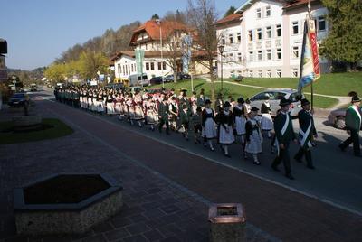 Trachtenjahrtag des Trachtenvereins DStaffelstoana Bernau