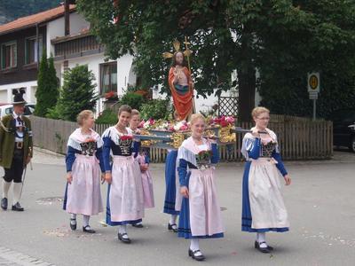 Fronleichnam mit Prozession