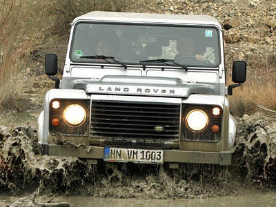 Land Rover Defender selbst fahren Foto trends Intelligente Incentives