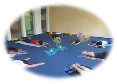 Therapeutisches Hatha-Yoga für alle