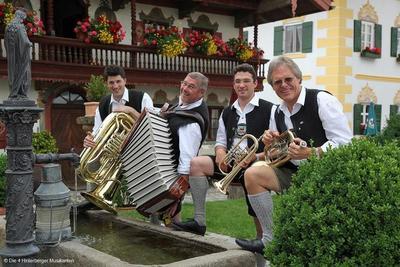 Volksmusik im Brunnenhof Die 4 Hinterberger Musikanten