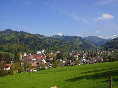 Blick auf Sulzburg . (© BTT Karin Schmeier)