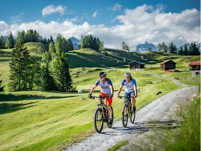 Kulturführung auf dem E-Bike in der Val Lumnezia
