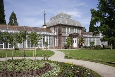 Das Gewächshaus - Ein exquisiter WintergartenArno Hennsmanns. (© Das Gewächshaus - Ein exquisiter Wintergarten)