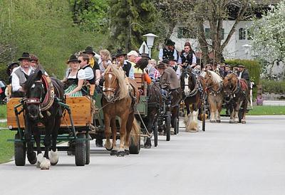 Pferdekutschausfahrt zum bayerischen Frhling