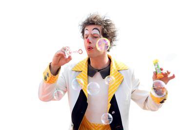 Kindernachmittag Wandern und Lachen mit Clown Ischa