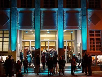 Seit 1984 bieten die Französischen Filmtage Tübingen-Stuttgart eine ungewöhnliche Bandbreite an Filmen aus der gesamten Frankophonie. Mit rund 80 Filmen ist es das zweitgrößte frankophone Filmfestival in Europa. . (©  Französische Filmtage Tübingen)