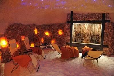 Interner Link zur Veranstaltung: Klangschalenmeditation mit Planetenklangschalen in der Salzkristallgrotte Bad Wildbad