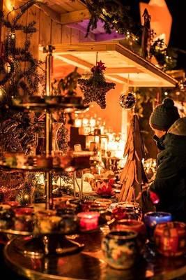 Interner Link zur Veranstaltung: Advent am leuchtenden Kurplatz
