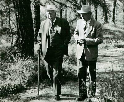 Hermann Hesse und Theodor Heuss in Sils Maria, 1957. (© Familienarchiv Heuss, Basel)