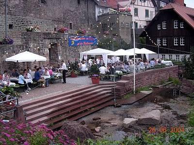 Abgesagt! Forellenräuchern mit Platzkonzert an der Stadtmauer