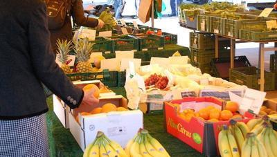 Samstagsmarkt Pestalozzischulhof