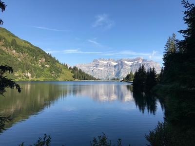 Yoga, Natur und Kulinarik in den Glarner Bergen