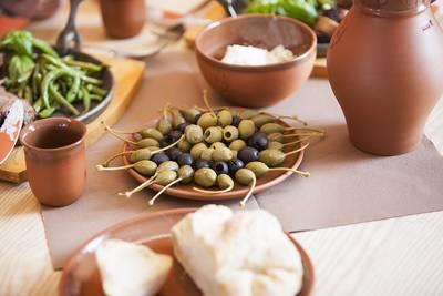 Römisches Essen in der römischen Taverne im Europäischen Kulturpark Bliesbruck-Reinheim. © Saarpfalz-Touristik, Eike Dubois